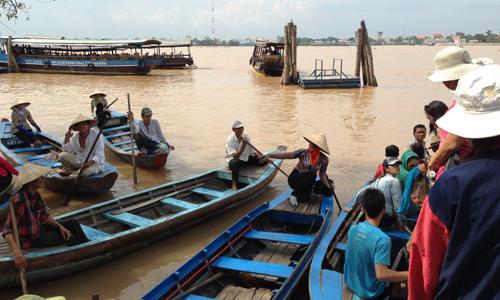 ベトナム定番ツアーはミトのメコン川クルーズ終日観光